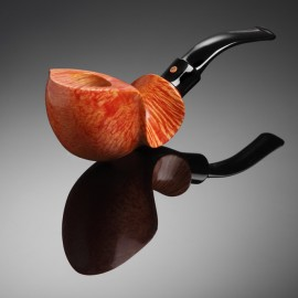 Briar Pipe with Wave Pattern