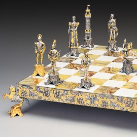 Medici vs Pazzi Chess Set