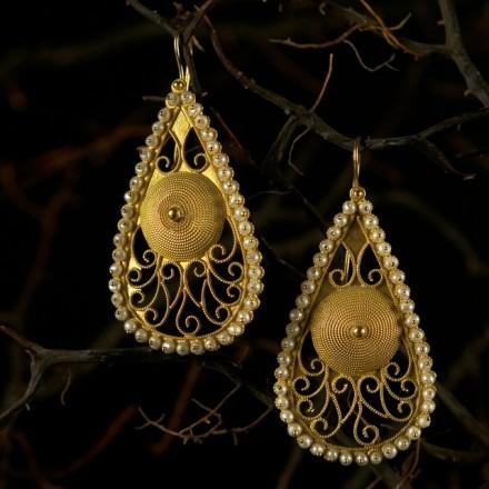 Mandas Earrings