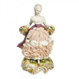 Dama con cesti di fiori
