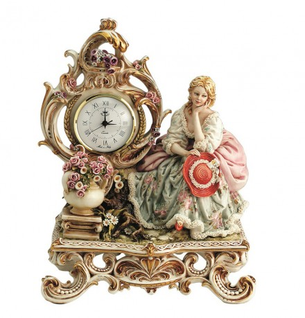 Lady on bench – Clock