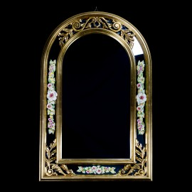 Mirror with porcelain flower